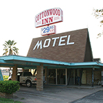 Cottonwood Inn at La Grange