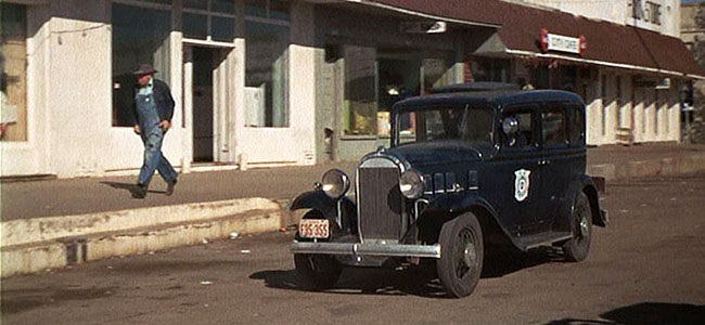 Bonnie and Clyde Still, Police Chase