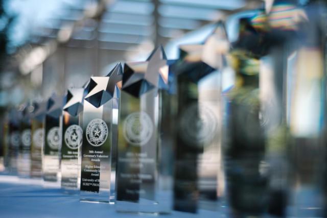 governors-awards-trophy.jpg Image