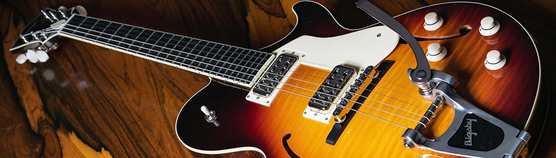 Collings Guitars' Statesman LC Deluxe with TV Jones pickups and Bigsby temolo