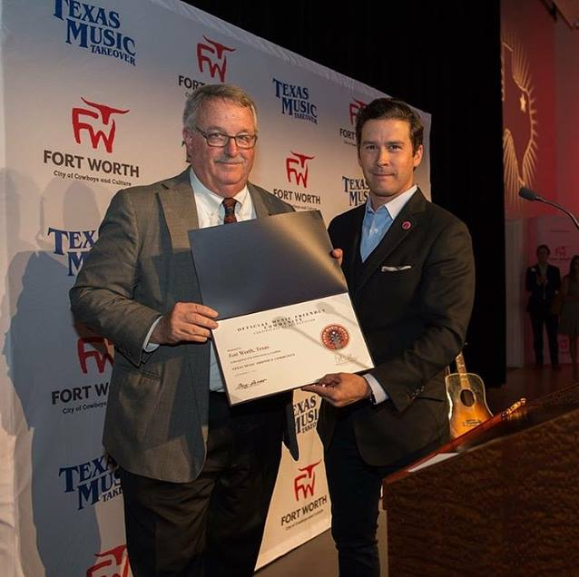 Brendon presents Fort Worth with Music Friendly Community recognition