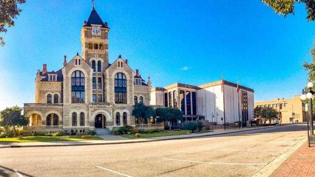 Victoria, TX downtown buildings