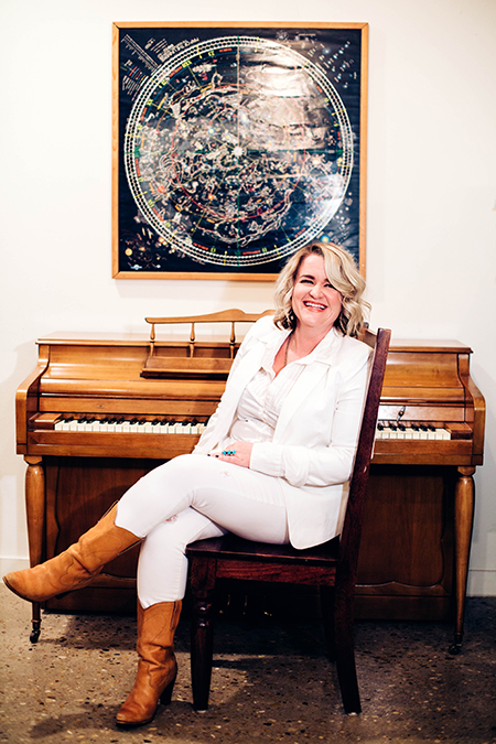 Texas vocalist and pianist Emily Gimble