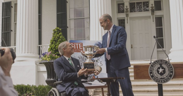 Governor Greg Abbott accepts the Site Selection Magazine's 2017 Governor's Cup Award.