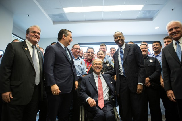 Governor Abbott meets with HUD Secretary Ben Carson on Disaster Recovery.