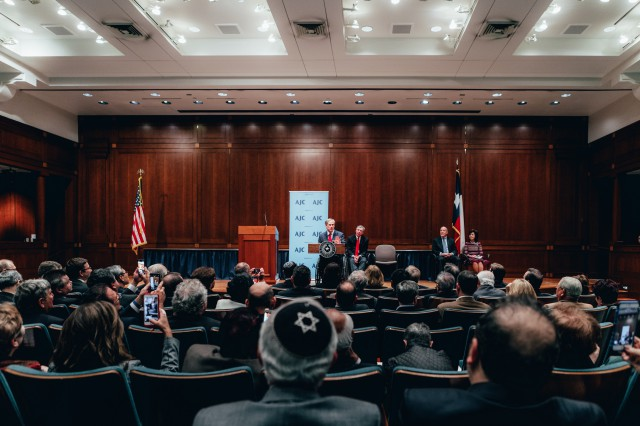 Governor Abbott speaks on Holocaust Remembrance Day