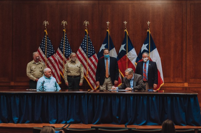 Governor Abbott Hosts Ceremonial Signing Of Shared Stewardship Agreement With Secretary Of Agriculture Sonny Perdue