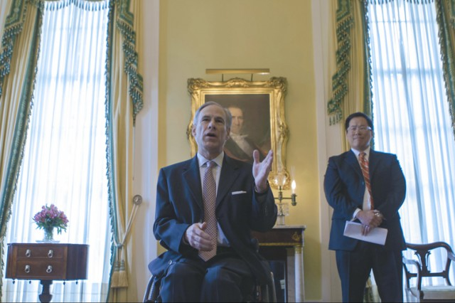 Governor_Abbott_Hosts_Reception_On_Classroom_Connectivity_With_EducationSuperHighway_03102016.jpg Image