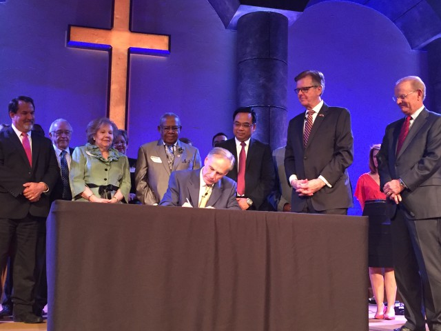 Governor Abbott Signs Sermon Safeguard Bill Into Law - Office of the Texas Governor - Greg Abbott - 웹