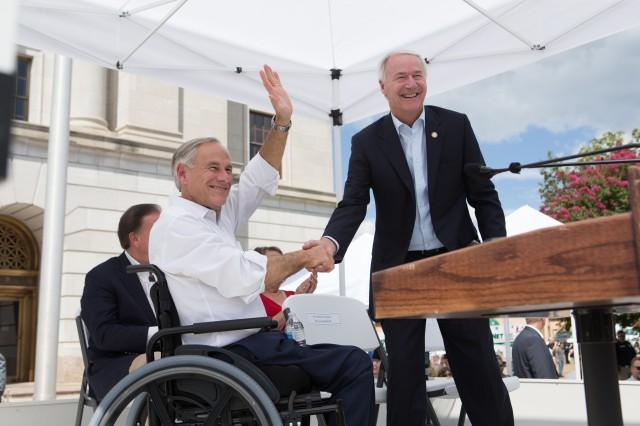 Governor Abbott Announces Launch Of Texarkana Regional Economic Development Collaboration Image